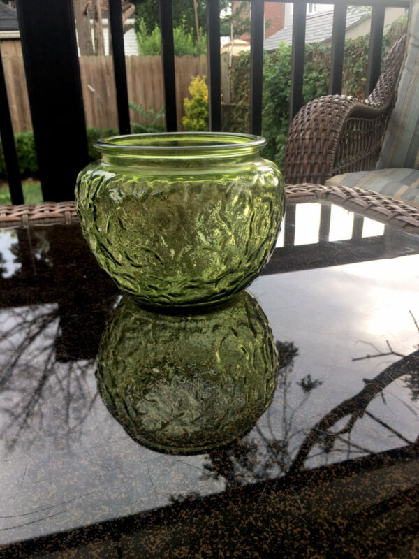 """Vintage Green Crinkle Glass Bowl 6"""" wide & 5"""" tall; EO Brody Co.; #G 107"""