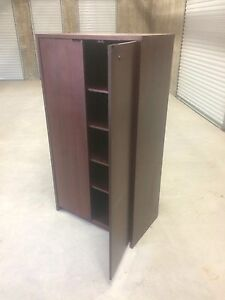 Very nice wooden bookcase / cabinet