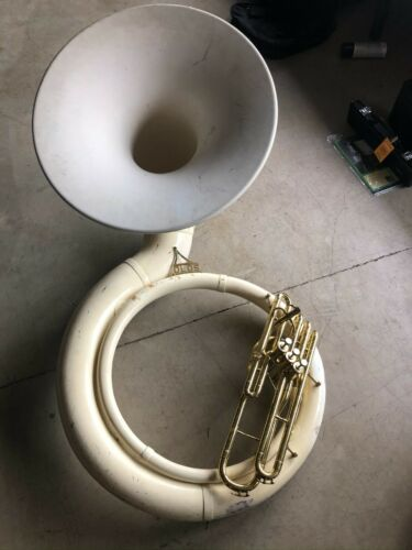 Olds BBb Sousaphone w case. Just Serviced and ready to play. Awesome Horn