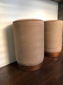Bar stools/pods