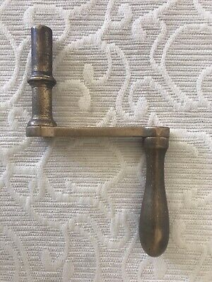 SMALL ANTIQUE / VINTAGE TABLE WINDER, TABLE WINDING KEY ALL BRASS
