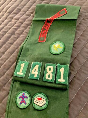 Nice Vintage Girl Scout Sash Hemlock Council With 3 Badges