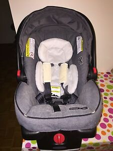 Reduced to Sell! Graco® SnugRide® Click Connect™ 35