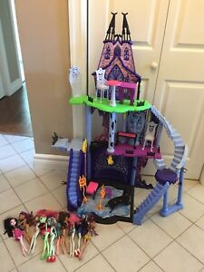 Monster High play castle with dolls