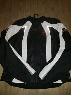 Ladies motorcycle jacket (size extra lg)