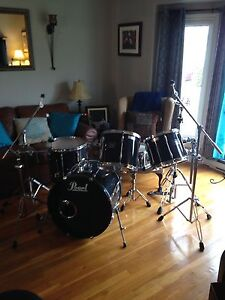 5 Piece Pearl Export drum kit with  hardware St. John's Newfoundland image 5
