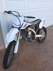 2012 yzf 450 MUST SEE MINT CONDITION