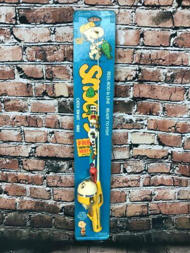 Vintage Unopened Snoopy Peanuts Catch Em' Kit Kids Fishing Pole & Reel w/ Watch