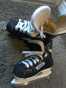 Childrens Bauer skates (Charger)