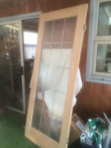 "32"" oak door with stained glass"