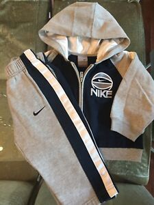 *** NIKE Baby Boy 2 piece outfit - Size 2T/ 24months ***