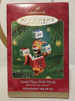 NEW HALLMARK KEEPSAKE CHRISTMAS ORNAMENT TAZ MAKE WAY! 2005 QXI8772 FREE US SHIP