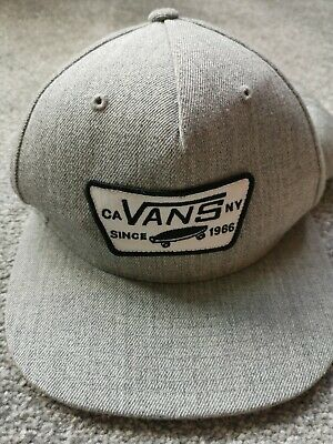 Vans Off The Wall Classic Patch Snapback Cap Grey