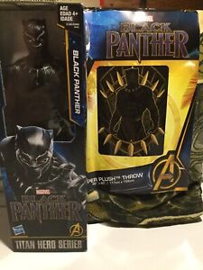 Marvel Avengers Black Panther plush throw and figurine
