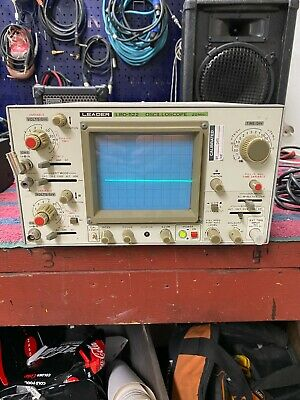 Leader Lbo-522 Oscilloscope 20mhz Powers Up For Repair Or Parts
