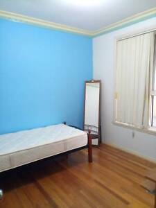 Single room available next to Thomastown train station