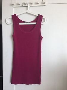 Silk blend ribbed tank in mulberry