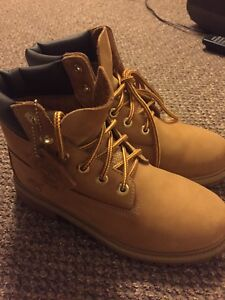 Timberland Leather Boots Size 6.5 US