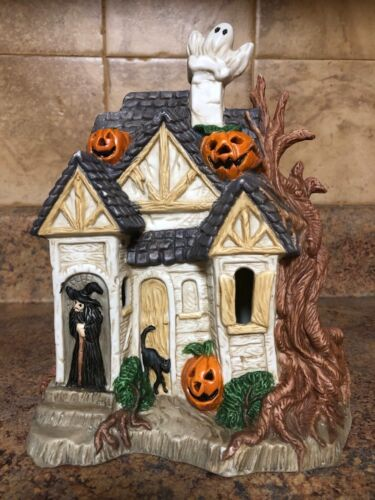 PRETTIQUE HAND-PAINTED HALLOWEEN SCULPTURES WITCH