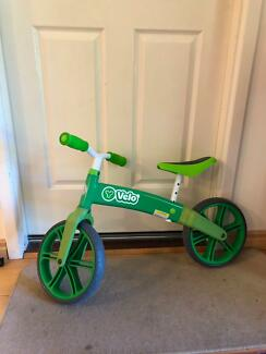 Velo bike green for 3-5 years old great condition