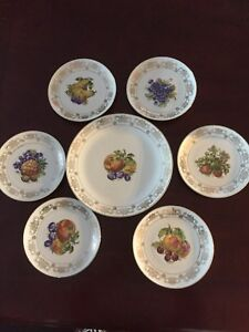 Vintage fruit dish with 6 small plates