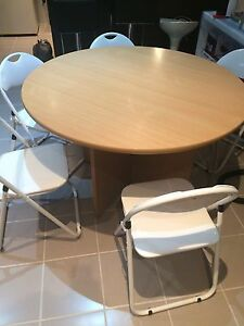 Round dining table for sell Nollamara Stirling Area Preview