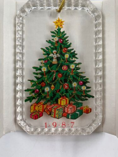 AVON Gift Collection 1987 Christmas Tree Ornament
