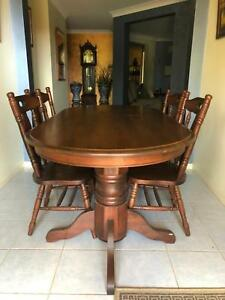 Large 6 Seat Solid Wood Dining Suite