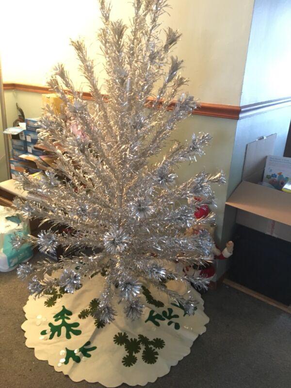 Vintage Felt Handmade Christmas Tree Skirt (tree NOT Included)