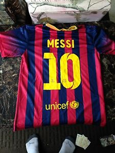 Messi jersey and shorts (M)