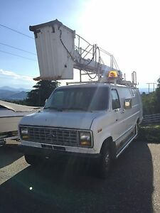 1991 Ford E-350 Bucket Truck