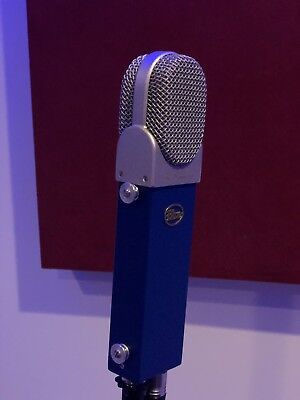 Blue Microphones Blueberry Vocal Condenser Cable Professional Microphone ()