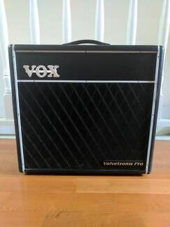 VOX Valvetronix Pro VTX150 Hybrid Guitar Combo Amp