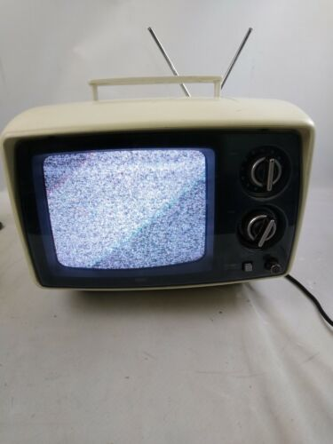 "Vintage 1977 Sears COLOR 9"" Portable TV 564-4019"
