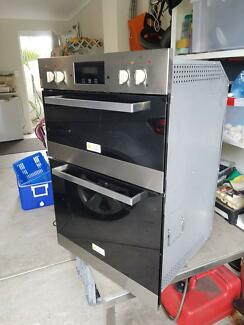 Wall oven near new