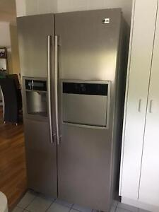 LG FRIDGE  TWIN DOOR ICE MAKER 621 LITRE Tewantin Noosa Area Preview