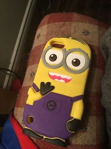 iPod touch minion cases