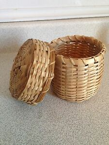 Small Mi'Kmaq Covered Basket