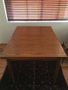 Extendable table retro fantastic condition