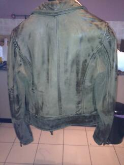 Jacket Leather women& fashion. From Italy fashion show .8 size.