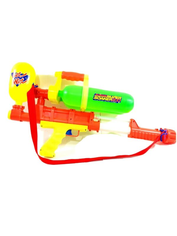 1990 LARAMI Super Soaker 200 with orignal strap, Works, Tested!