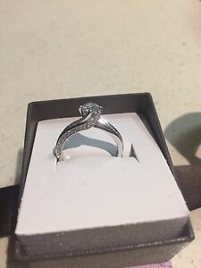 18ct white gold round diamond engagement ring Lota Brisbane South East Preview