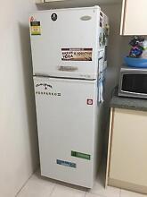 Fridge and freezer Sylvania Sutherland Area Preview