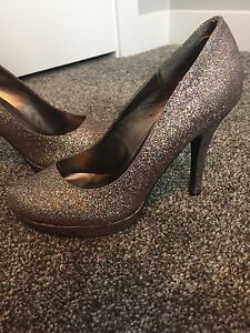Sparkly heels for sale!! Almost brand new!
