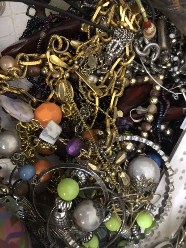 huge vintage to now Jewelry lot - broken and junk - great for Craft 10.4 Lbs