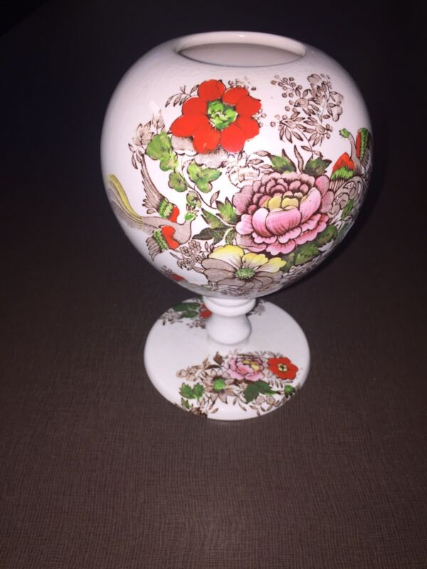 Newcastle-on Tyne England Maling Vase