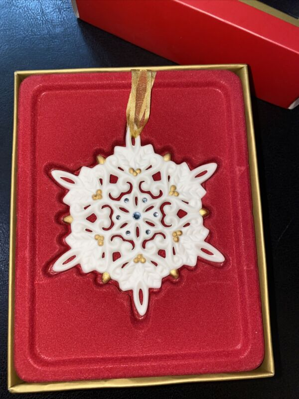 Wedgwood 2003 Pierced Jeweled Jasperware Snowflake Ornament Retired Design