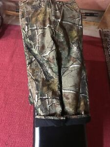 Wrangler camo quilted jeans in mint condition