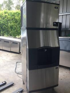 Manitowoc cube ice machine with dispenser ice maker hotel cafe