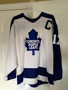 Maple Leafs jersey signed by Wendel Clark